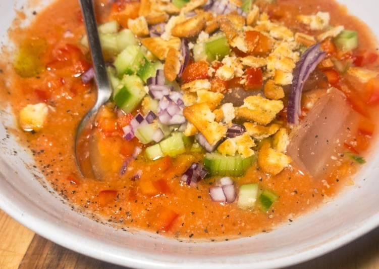 Fruchtig-leckere Gazpacho - kalte Tomatensuppe
