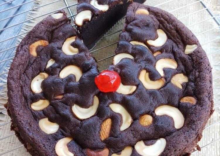 Peanut choco cake