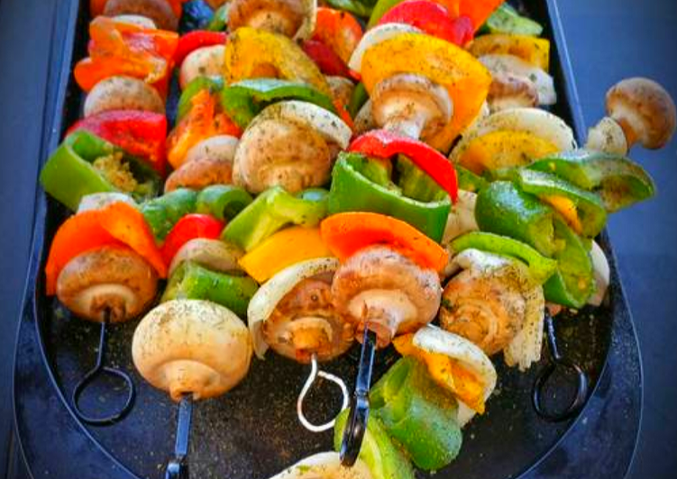 Mike's Chicken Shish Kebabs & Tzatziki Sauce
