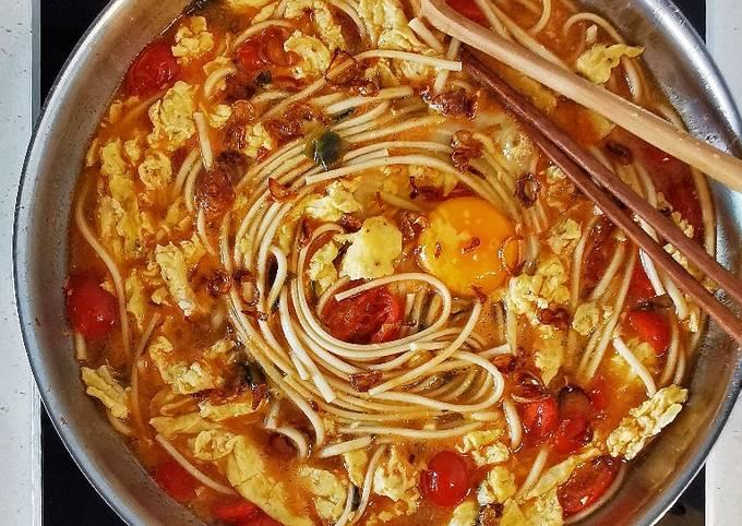 Savoury Tomato Egg Udon (Noodle) 🍜