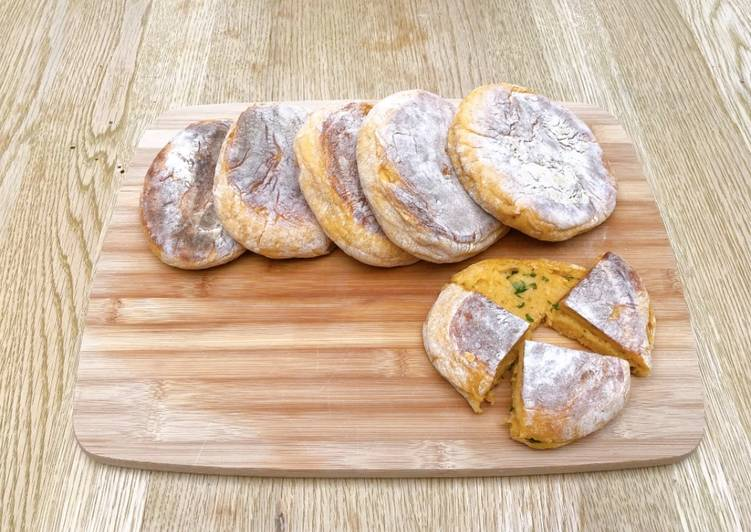 Bolo do caco (Madeiran bread)