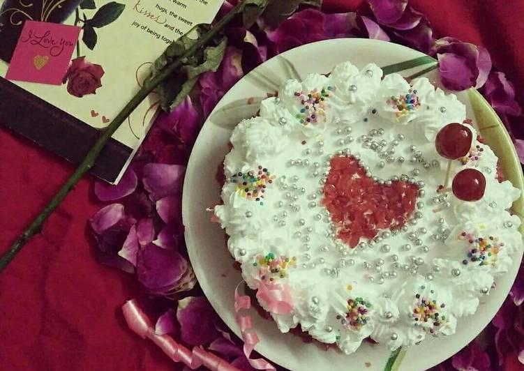 How to Cook Appetizing Red velvet cake in pan