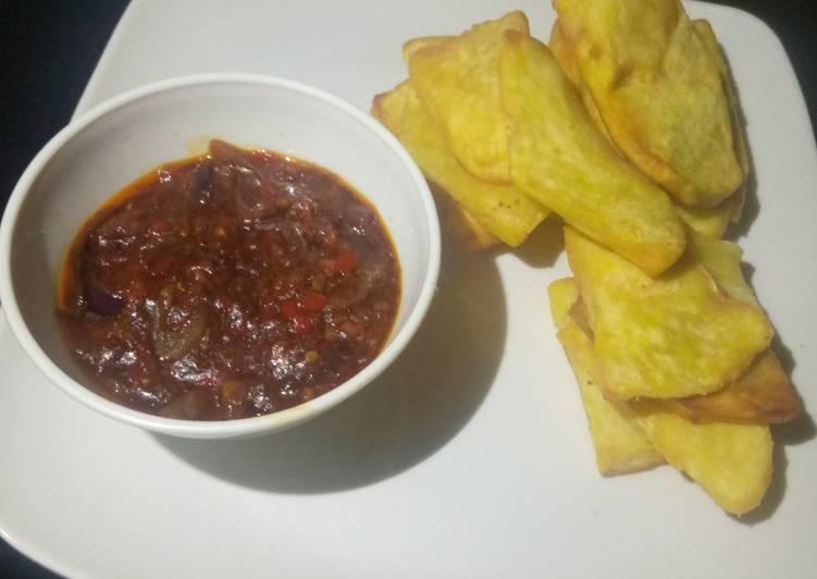 Fried sweet potato with sauce