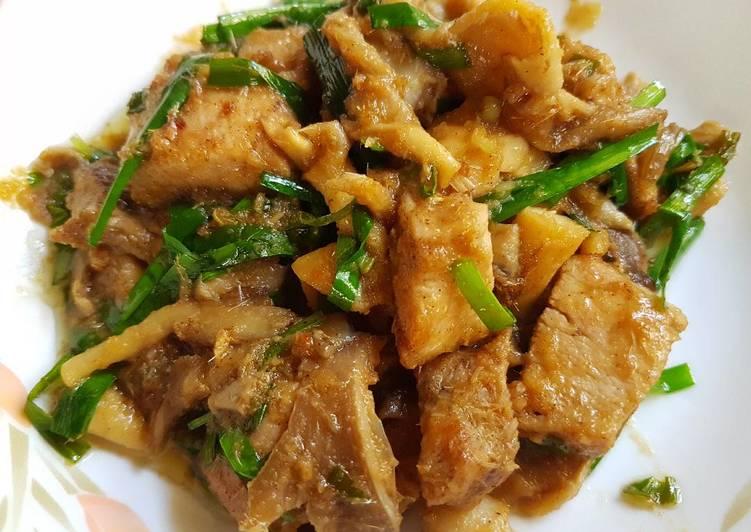 Easiest Way to Prepare Any-night-of-the-week Thai Stir Fry Lemongrass Chicken & Mushroom