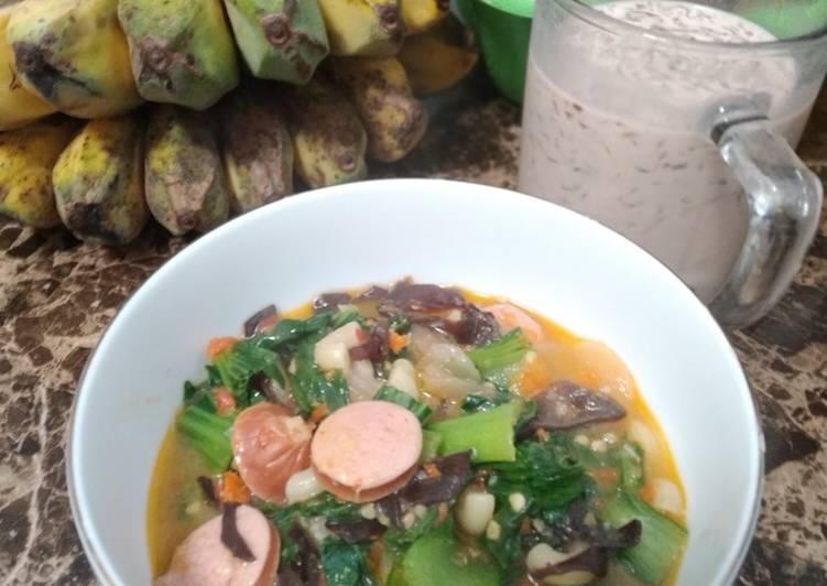 Seblak sosis jamur