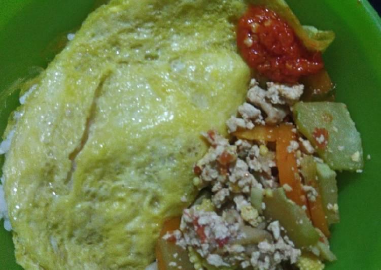 Nasi Campur (Resep Bekal Anak Praktis Padat Gizi)