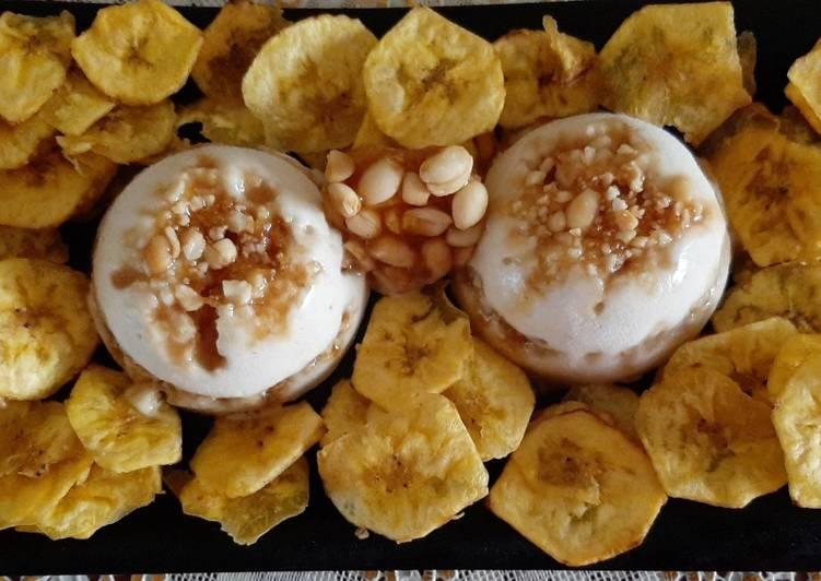 Banana Peanut Praline Ice Cream With Banana Chips