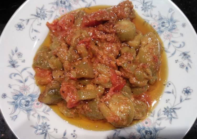 Steps to Make Homemade Turai ki Sabzi (Ridged gourd)