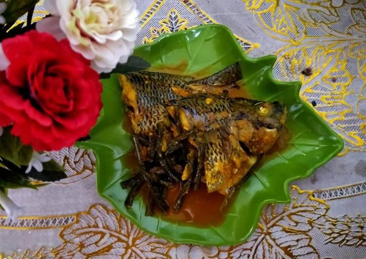 Pangek Ikan Nila (Masakan Minang)