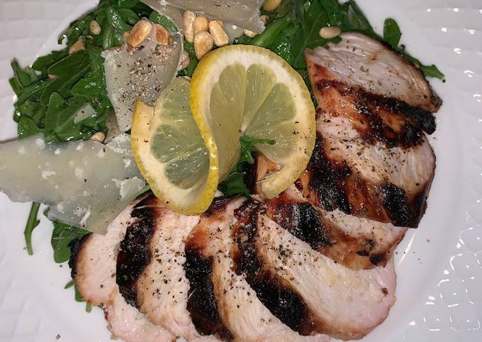 Grilled chicken with arugula salad 🥗