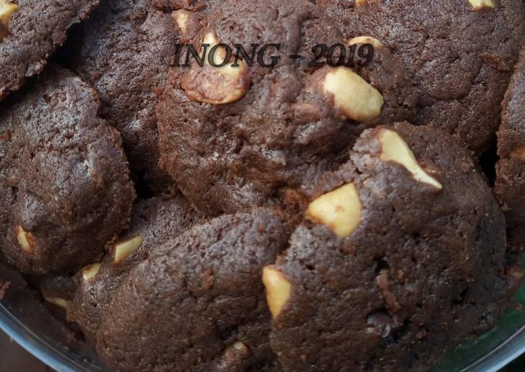 Bagaimana Menyiapkan Kukis Coklat Mede Crunchy, Menggugah Selera