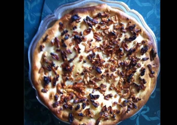 Tarte salée aux lardons pignons noix et gorgonzola