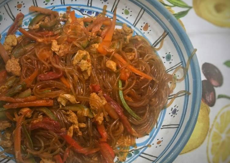 Ricetta Noodles Di Soia.Ricetta Spaghetti Di Soia Alle Verdure E Uovo Di Andrea Cookpad