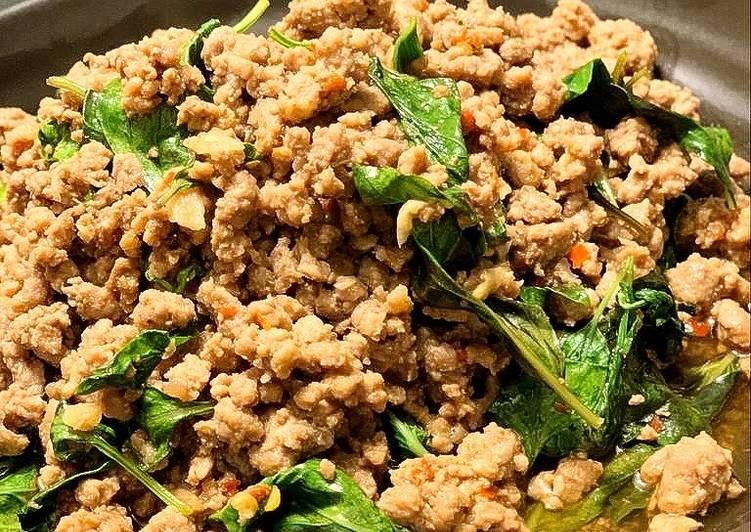 Recipe of Homemade Thai Stir fry beef with basil leaves. �ระเพราเนื้อสับ