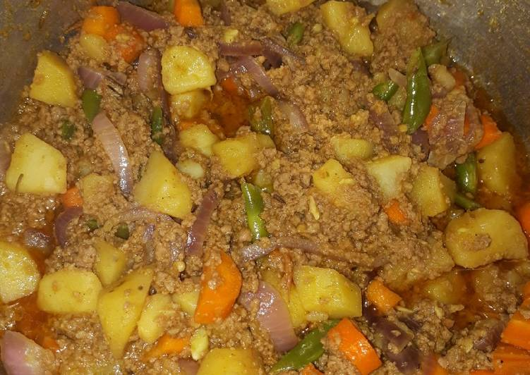 Minced meat and veges sauce