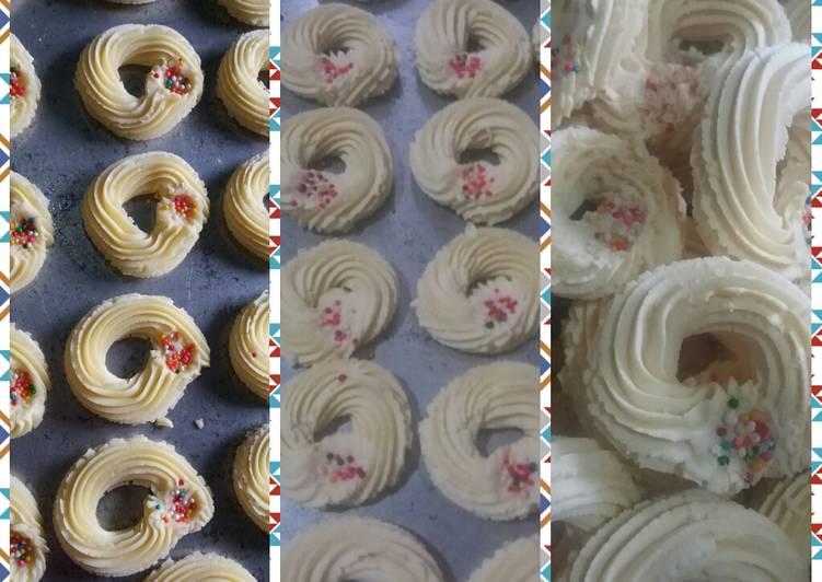 Resep Kue Bangkit Susu Oleh Meri Hutagalung Cookpad
