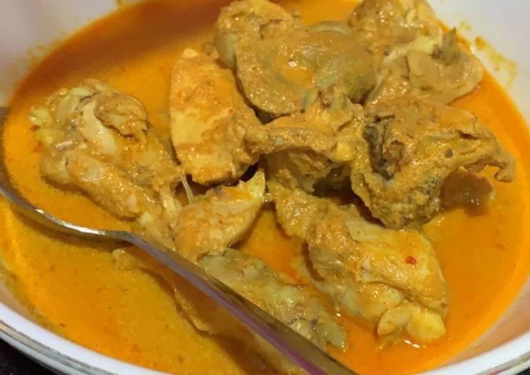 Ayam Gulai Khas Padang Simpel dan Super Enak!