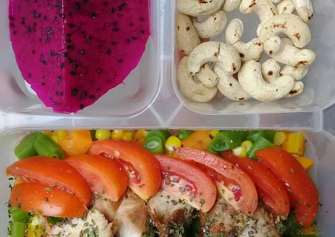 Menu defisit kalori 5 (Chicken Salad)