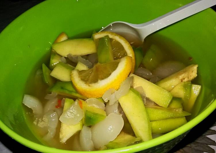 Asinan Rambutan mix Kedondong 'n Lemon