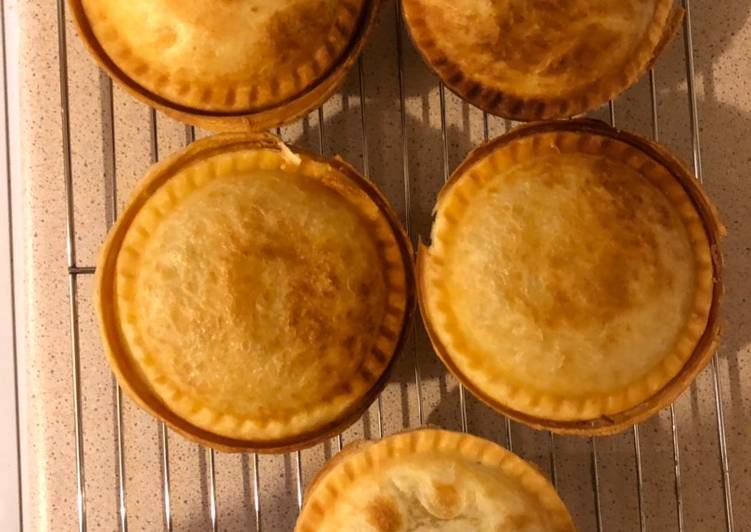 Simple Way to Prepare Perfect Chicken and mushroom pies