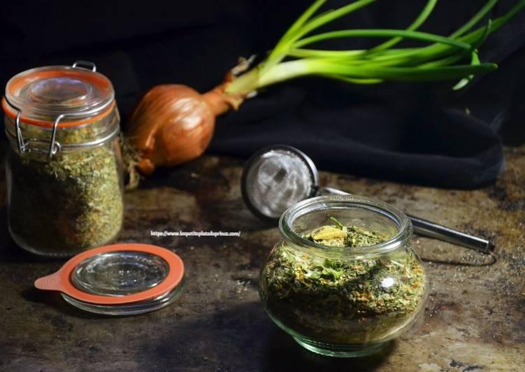 Recipe: Perfect Préparer son bouillon de légumes en poudre avec des épluchures