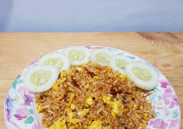 Nasi Goreng Daun Jeruk no Saos no Kecap Enak Sederhana