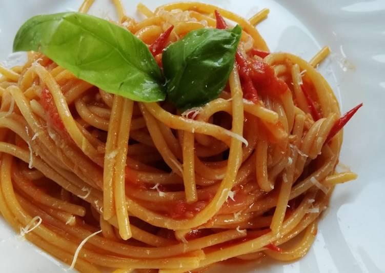 Ricetta Spaghetti risottati pomodorini, basilico e cipolla