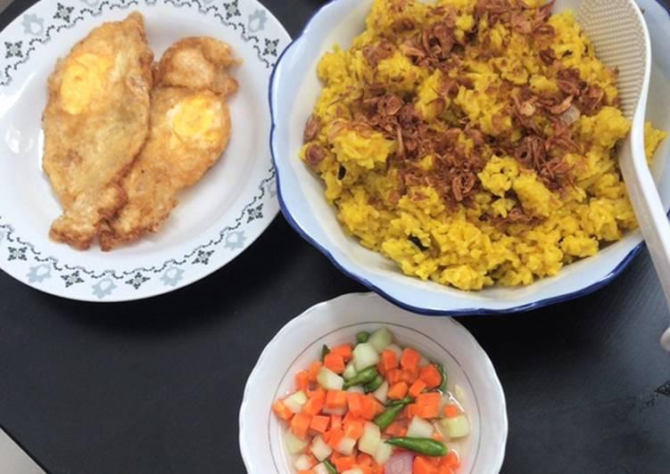 Nasi minyak / samin bumbu Kuning Palembang