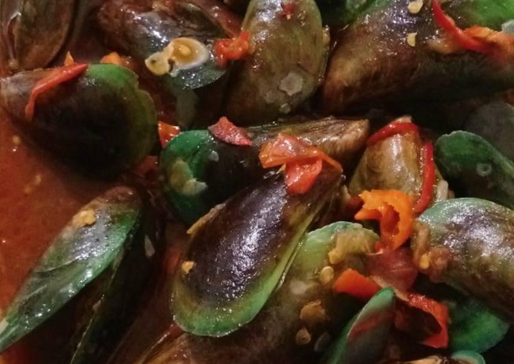 Cara Memasak Kerang hijau saus padang praktis