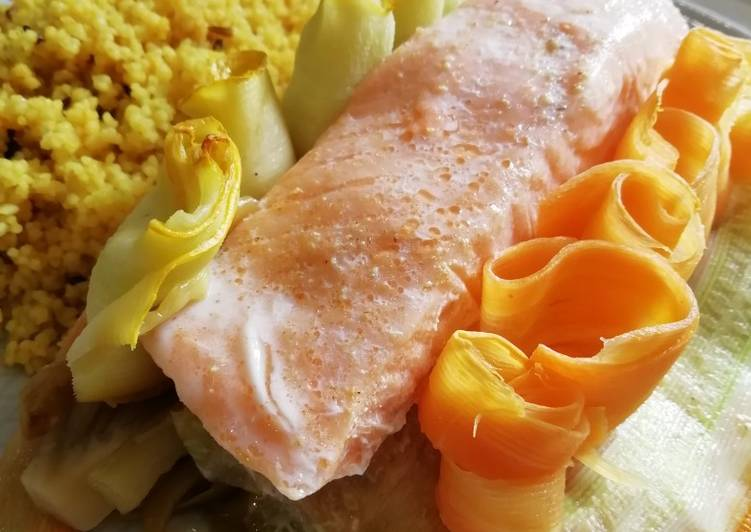 Papillote de saumon et légumes de saison