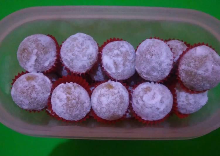 Langkah Mudah untuk Menyiapkan Bola-Bola Salju Keju Matcha Latte Roti Marie (NO OVEN), Bisa Manjain Lidah