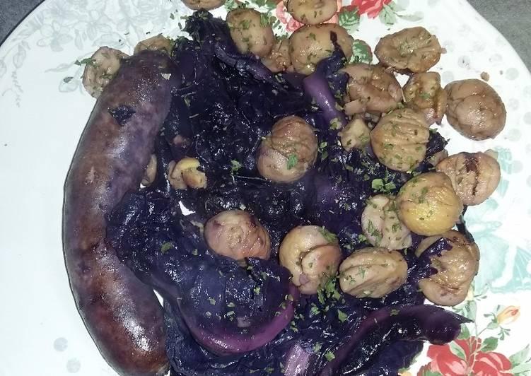 Comment faire Préparer Appétissante Choux Rouge, marrons, saucisses..