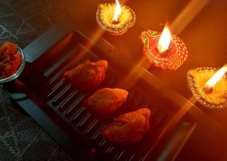 Ranga Aloor Puli Pithe/ Sweet Potato Dumplings