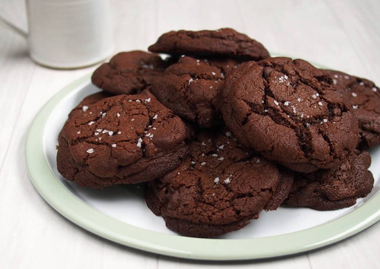 How to Prepare Yummy Keto friendly Gluten-free chocolate chip cookies
