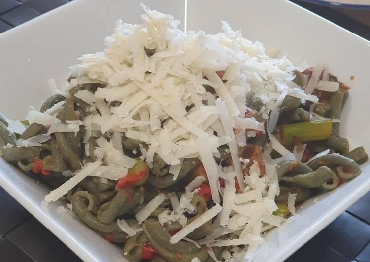 Pasta con espirulina vegetariana
