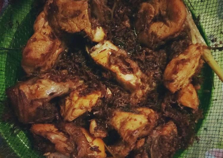 Resep Ayam Serundeng Empuk Oleh Yayah Siti Wasiah Cookpad