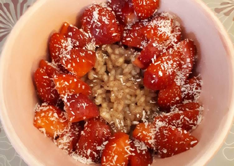 Comment Servir Riz au lait de riz/coco et ses fraises