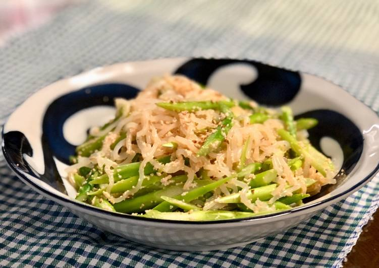 Mayo Asparagus with salty chili fish egg (Mentaiko)