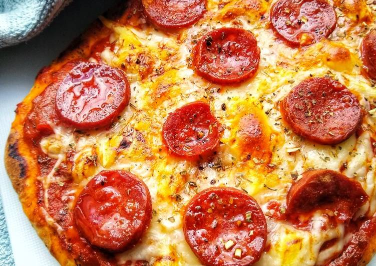 How to Make Quick Naan Bread Pizza (Spicy Chorizo) 🍕