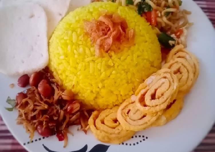 Nasi Kuning Simpel Wangi