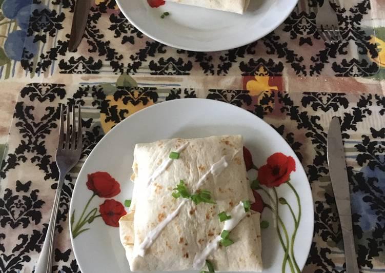 Recipe: Appetizing Chicken wrap