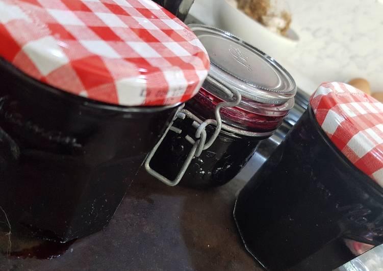 Steps to Prepare Speedy Blackcurrant Jam
