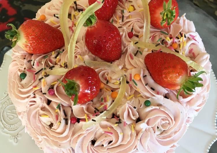 Gâteau rose à la fraise