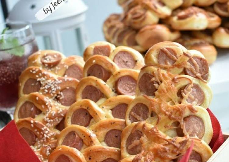 Roti Sosej Twisty - velavinkabakery.com