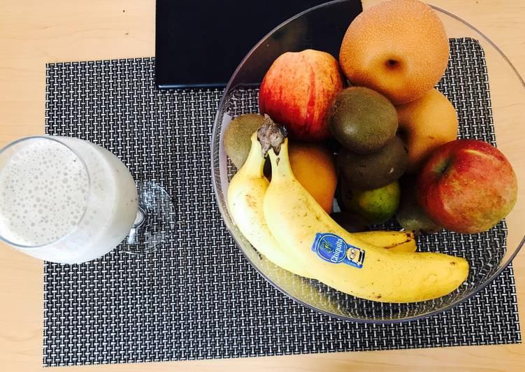 Recipe: Appetizing Banana,blue berry and kiwi Smoothie
