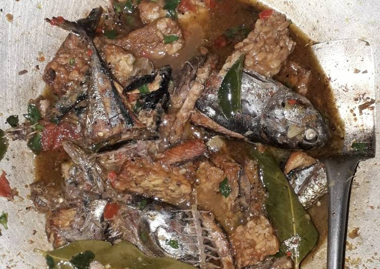 Rica-rica Ikan Asap