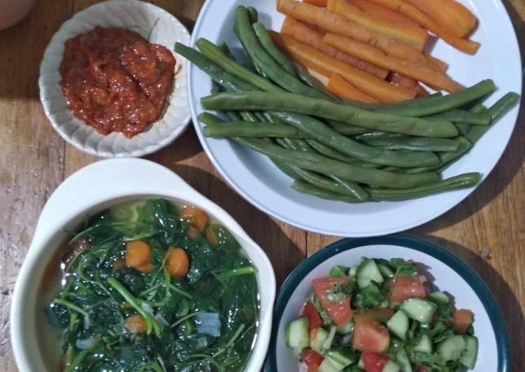 Lalapan, Cemilan & Salad Sayur sehat. Cocok untuk diet