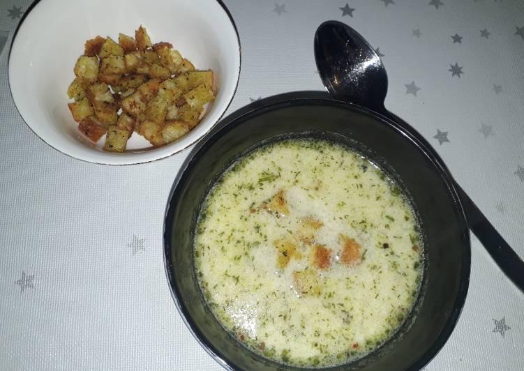 Kartoffelsuppetschechischer Art mit Croutons
