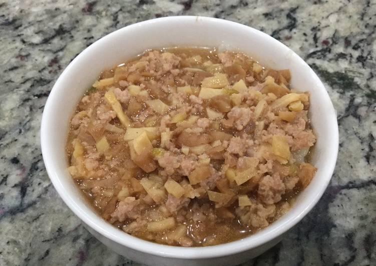 碗粿 rice cake in the bowl