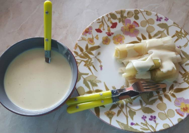 Poireaux à la sauce moutarde